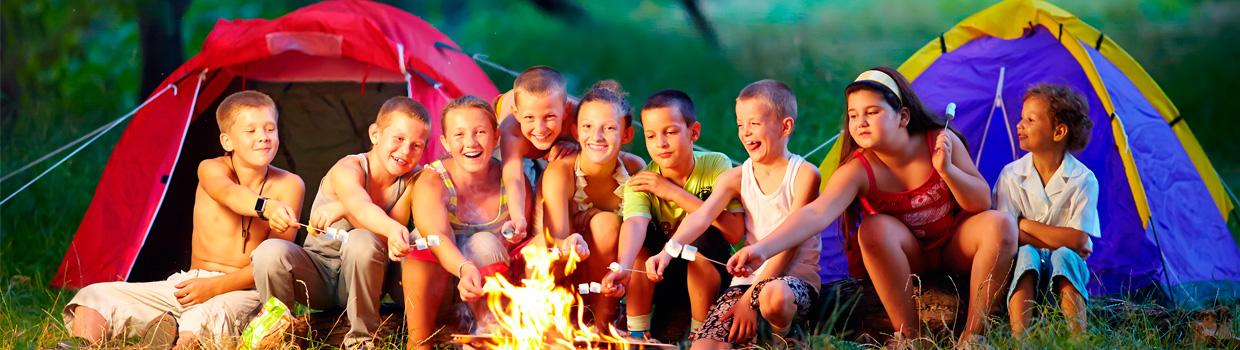 bigstock-Group-Of-Happy-Kids-Roasting-M-47995022_1240x350